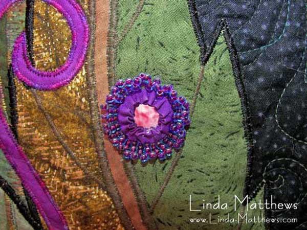 Embellishing with Fabric Yo-Yos