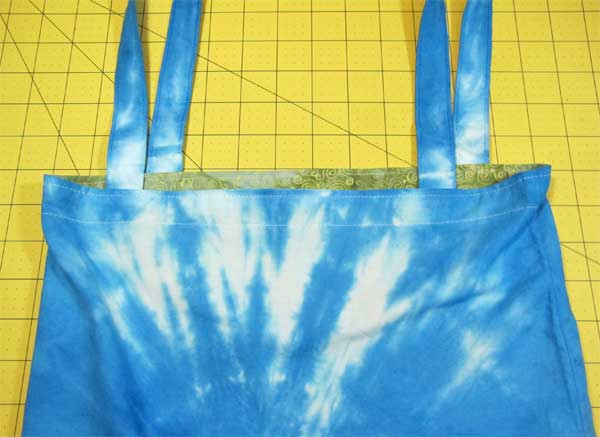 Free Sewing Tutorial: How to Add a Standard Lining to a Tote Bag