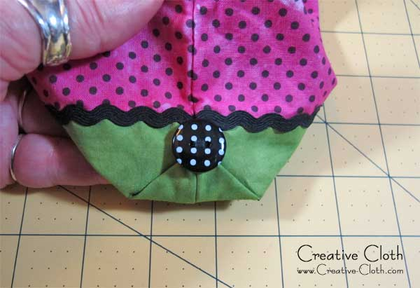 How to Make an Easy Zipper Pouch - Two Ways