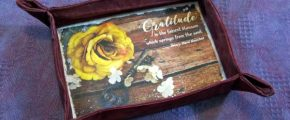 "Fabric Tray Tutorial + Free ""Gratitude"" PhotoArt Printable"